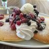 クローバーツリー - 料理写真:ベリーのパンケーキ
