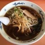 昌龍 - 料理写真:醤油ラーメン、650円です。