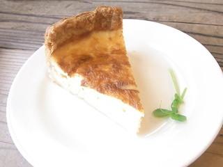 ハンモック キッチン - ベーコンと玉葱のキッシュ 単品¥280(税別)☆♪