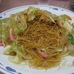 共平亭 - 皿うどんの中身(超細麺パリパリです)