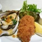 44630646 - カキフライ&ウニ乗せ焼き牡蠣