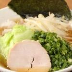 鶏専門 らーめん銀 - あっさりの青湯+野菜三点盛