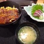 寿司家天神本店 - 鰻好きですので「限定10食」のうな丼を頂きます。 ◆うな丼(日替わりです:750円:税込) うな丼・お刺身・アラ汁のセット。