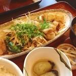 博多もつ鍋 幸 とりもつえん - ランチ。モツ炒め定食。