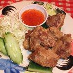 路地裏のタイ料理とお酒 バナナ食堂 - 豚の唐揚げ