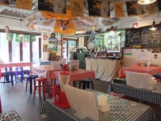路地裏のタイ料理とお酒 バナナ食堂