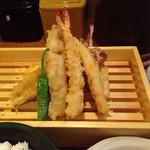 御園天丼 下の一色 - 天ぷら定食1050円 しっかり目な揚げ加減