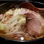 やぐら亭 - わんたん麺醤油 2015.11