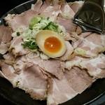 とがの屋 - 1511_とがの屋_豚骨塩つけ麺@730円+肉ダブルダブル@400円_この肉の量!