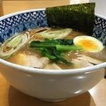 麺匠 名人房 - 鶏骨醤油ラーメン780円。
