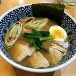 麺匠 名人房 - きました~!鶏骨醤油ラーメン780円。