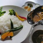 レストラン アビーハウス1990 - 料理写真:復活!幻の三笠カレー とれたての高原野菜と信州産きのこで作ったオリジナルカレーです