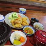 ねんりん - 先ずは友人の頼んだ鳥膳1080円、大分名物の鳥天を使った定食ですね。