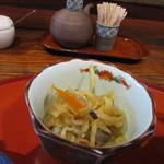 ねんりん - 御膳に添えられた小鉢は切干大根でした。
