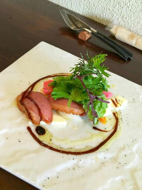 ビストロ オレイユ - 鎌倉野菜と鴨、モッツァレラチーズのサラダ仕立て