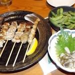 44661236 - 串焼き盛り合わせ・枝豆・たこわさ