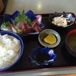 うま亭 - 刺身定食