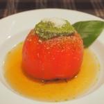 びすとろ UOKIN - ボンポテ:トマトはバジルソースで