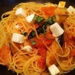 釜あげスパゲッティ すぱじろう - トマトと茄子のモッツァレラチーズのパスタ