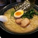 無敵家 - 本丸麺800円