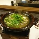 割烹 山さき - 鍋:近江牛テールと豆腐①