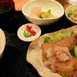 吟酒海楽 和 - 日替わりはミックスフライ定食、\800だった