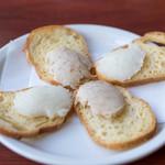 ブション・プロヴァンサル Chez AZUMA - 鱈のブランダードと豚肉のリエットのカナッペ