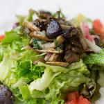 ブション・プロヴァンサル Chez AZUMA - 暖かい鴨の砂肝とキノコを添えたサラダ 旦那が絶賛^^