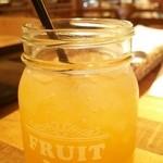 マノ・キッチンカフェ - パイナップルオレンジネクタージュース(450円)
