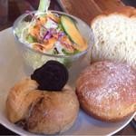 うかたま - オレオのベーグル、ライ麦パン、山食パンd(^ー.゜)ノ