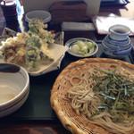 うちだ - 季節の野菜とエビの天ざる蕎麦