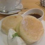 ラポーズカフェ - ふっくらフワフワのホットケーキ