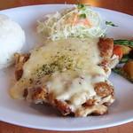 太郎 - チキンのチーズソースソテー850円