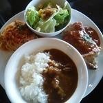 Chee's cafe dining - スペシャルランチ \1050カレー&チキンソテー