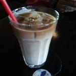 Chee's cafe dining - スペシャルランチのセットドリンク アイスカフェラテ