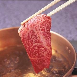 しゃぶ亭名物、1人に1個ずつ一人鍋でお気軽に。【高価純銅鍋】