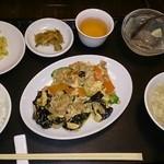 燕燕 - キクラゲと豚肉の卵炒め