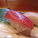 喜久寿司 - 赤身アップ