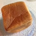 44682753 - りんごのミニ食パン 290円(税込)