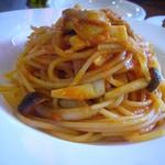 44684386 - 自家製ツナとキノコのトマトソーススパゲティ