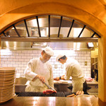 トラットリア デル パチョッコーネ - オープンキッチンから五感を刺激する