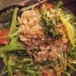 魚侍 はなれ - 牛肉サラダ