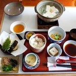 琴きき茶屋 - とうふ定食1800円(税込1944円)