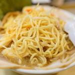 ごっつ - 2015.11 麺は菅野製麺所(東京蒲田)特製の太麺縮れ麺