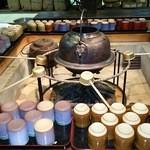マエダセイカ 羽二重餅の古里 - お茶のサービス