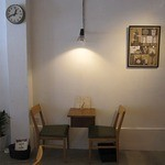 ニュートラル コーヒー - テーブル席