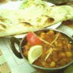 インド料理 ダルバール - ひよこ豆カレー+ナン
