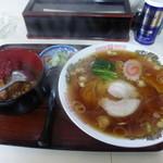 味処うめや - 料理写真:ラーメンとミニカレー丼¥650