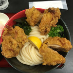 極楽うどん TKU - うどんは中盛りで500g 鶏天はかなりの大きさのものが3個!*\(^o^)/*