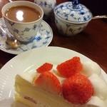 44701818 - □ストロベリーショートケーキセット 1480円(内税)□ ケーキの種類によってセットの値段が違います。
